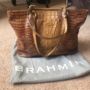 Large Brahmin Melbourne in Toasted Almond
